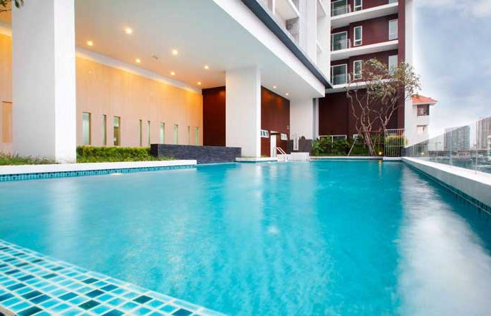 the-bloom-sukhumvit-71-swimming-pool